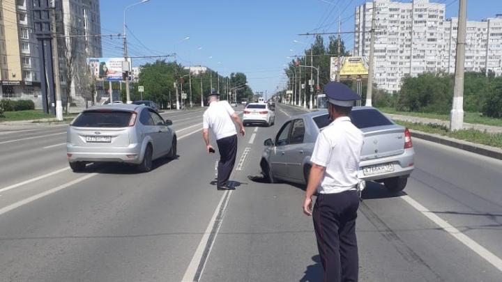 В Волгограде из-за провала грунта перекрыт проспект Ленина