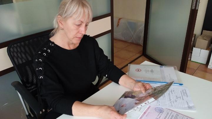 «Дети немытые и голодные»: омичка обратилась в органы опеки, чтобы забрать внуков у зятя