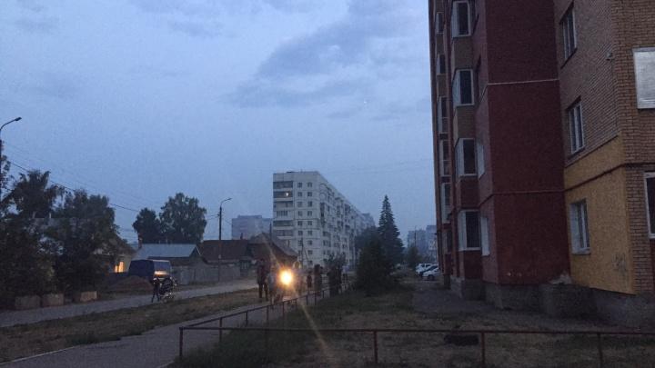 «Нечем дышать»: дым от природного пожара накрыл район Уфы