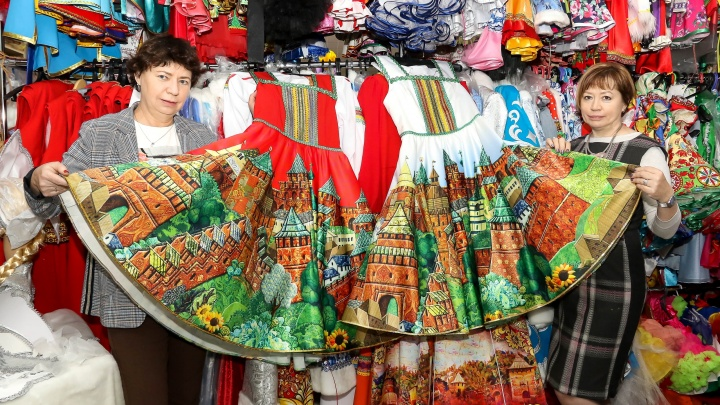 Нижегородская мастерская делает уникальные рисунки на одежде к 800-летию города. ФоторепортажNN.RU