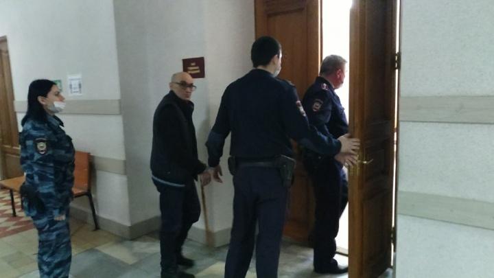 Для обвиняемого в убийстве зятя лидера ОПС «Законовские» запросили 15лет колонии