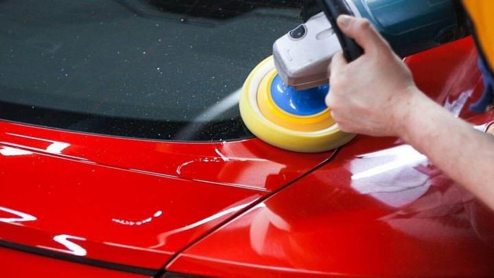 Дешевле, чем съездить на мойку: в Екатеринбурге начались весенние акции на локальный кузовной ремонт