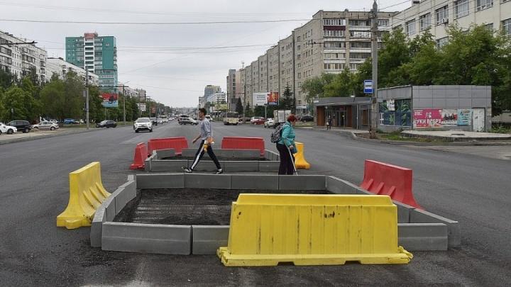 Зам Котовой объяснил, как организуют движение на Комсомольском проспекте после дорожного ремонта