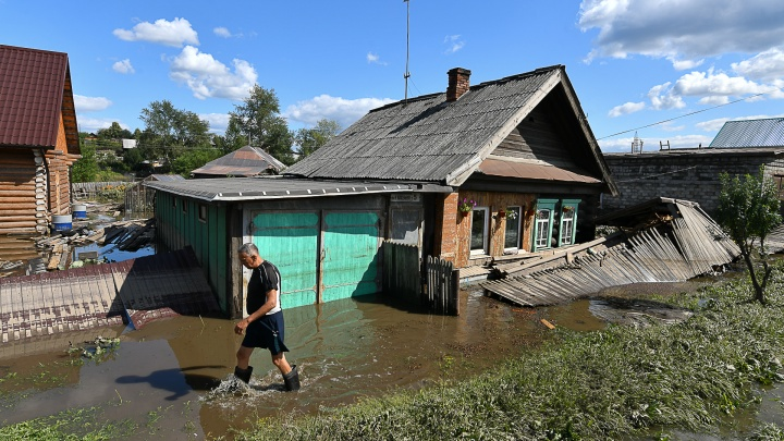 После потопа в Верхней Салде земля пропиталась нефтепродуктами. Норма превышена в разы