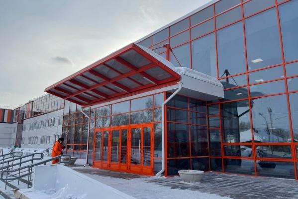 Школу построили на улице Складской