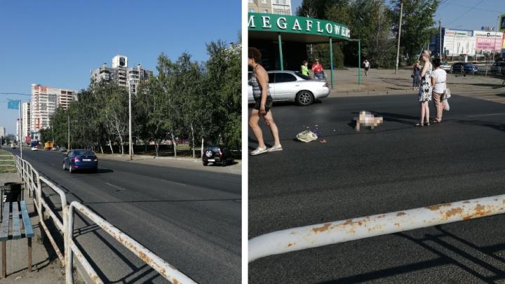 В Челябинске автомобилистка сбила насмерть пенсионерку, перебегавшую дорогу на красный свет