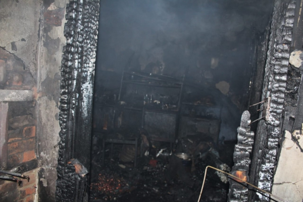 Два зауральца погибли в пожаре, причиной которого стало курение