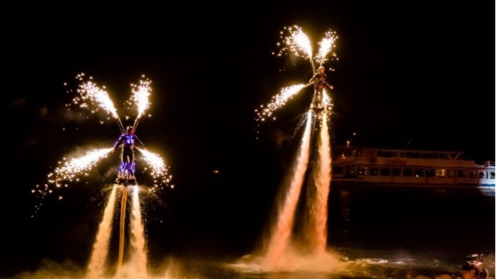 Яхты, огни и шоу флайбордистов. «Летающие люди» выступят сегодня у катера «Герой»