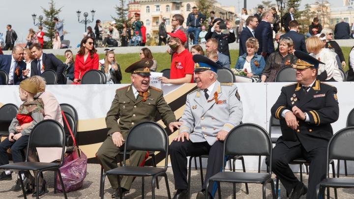 Чиновники, бизнесмены, депутаты: кого пустили смотреть парад Победы в Волгограде с VIP-трибуны