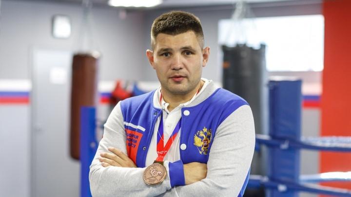 «Никто не хочет получать по лицу. И новых лиц нет»: тяжеловес Максим Бабанин рассказал о проблемах бокса в Волгограде