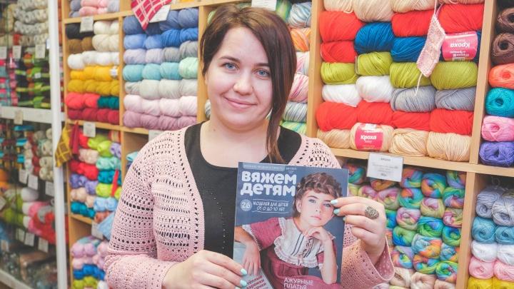 Пермячка вяжет детские платья в стиле ретро: одно попало на обложку журнала, а всю коллекцию покажут на Неделе моды