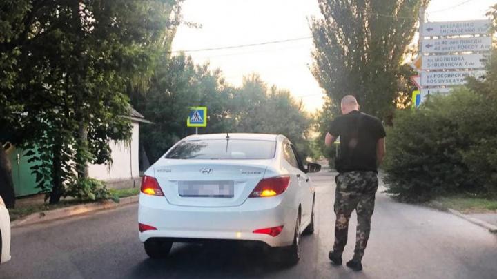Посигналила — ударил по голове. Ростовчанку избил мужчина из-за конфликта на дороге