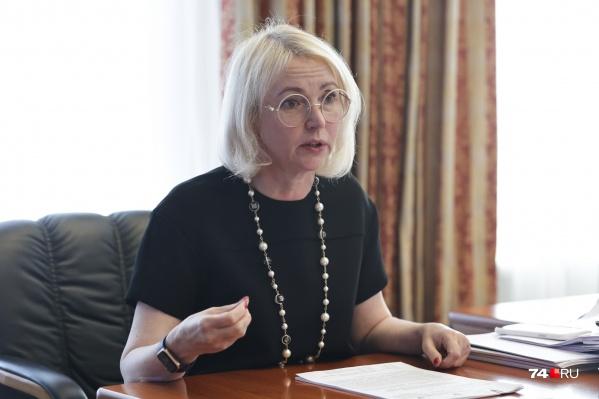 Вице-губернатор Ирина Гехт  рассказала о времени ожидания скорой, трудностях с ПЦР-тестами, а еще — о причинах появления антиваксеров