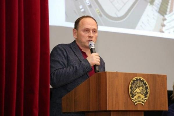 """Олег Байдин работает в администрации <nobr class=""""_"""">с 2017 года</nobr>"""
