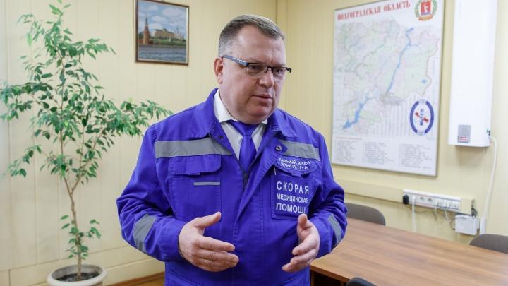 «Еще минуты, и он бы погиб»: расстрелянного и изрезанного мужчину в центре Волгограда спас гулявший главврач скорой