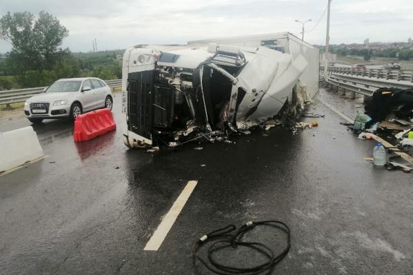 Пострадавшего водителя доставили в больницу