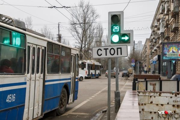 Умные светофоры переключают режимы практически без участия человека