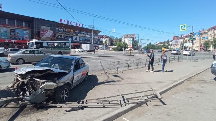 «Развернулись и пошли дальше отдыхать» — водителя, устроившего ДТП у «Кристалла», опросили в полиции