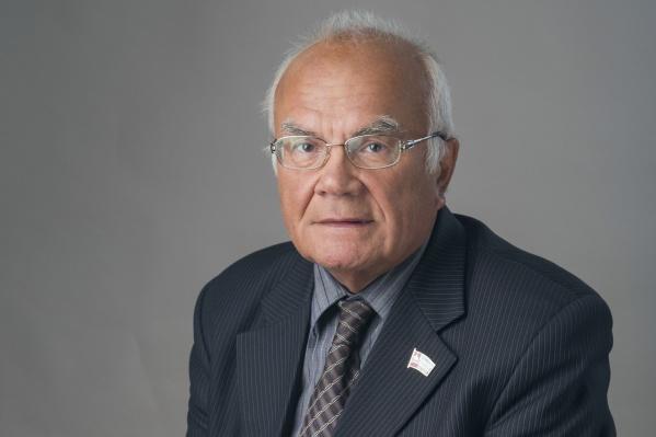 В КПРФ Геннадий Андреевич состоит с 1993 года