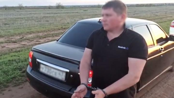 Не хотел стоять в очереди: в Волгограде водителю выстрелили в лицо из-за конфликта на автомойке