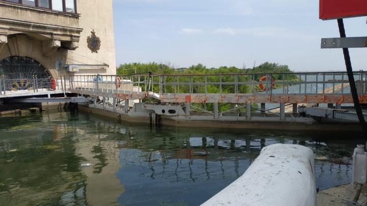 В Волгограде сухогруз протаранил ворота шлюза Волго-Донского канала