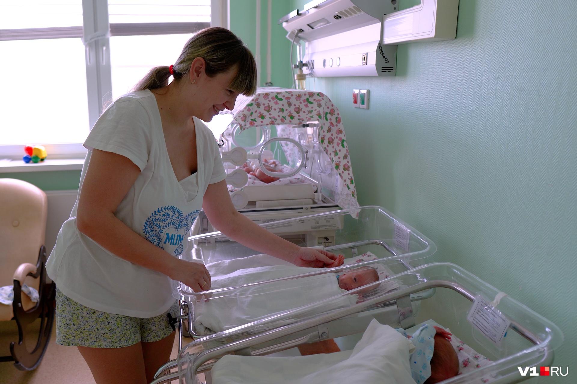 Виктория с нетерпением ждет выписку и очень переживает за своих малышей