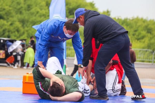 По словам организаторов турнира, мужчина больше расстроился из-за проигрыша
