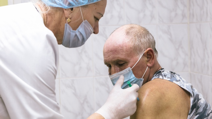 В Самарской области установили суточный рекорд по количеству привитых от коронавируса