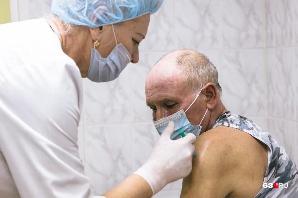 В области работают 168 прививочных пунктов