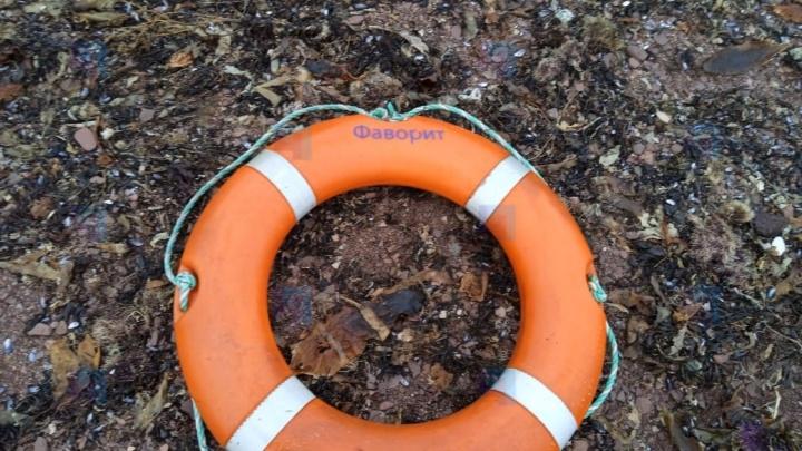 Архангельские спасатели ищут трех человек с затонувшего судна «Фаворит»