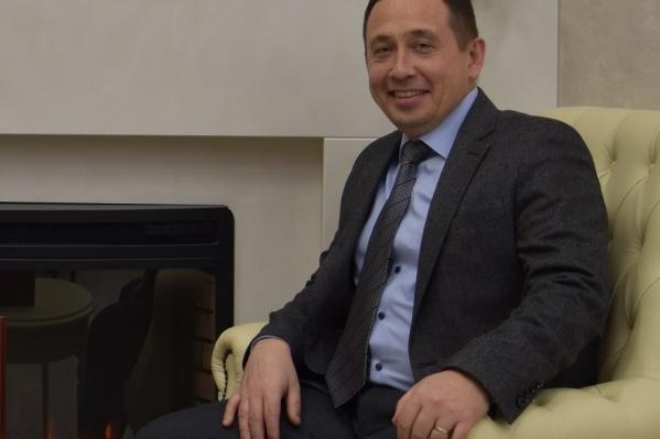 За плечами Сергея Никитина несколько руководящих должностей