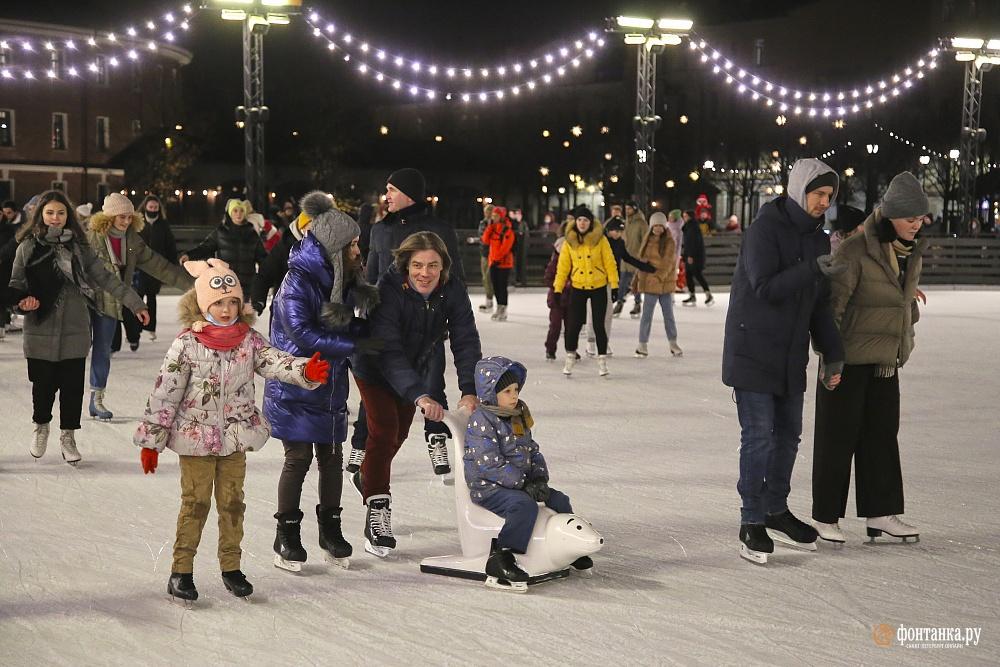Где покататься на коньках в зимнем Петербурге