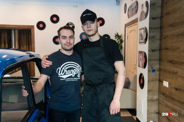 Роман и Егор не верят, что делать бизнес с друзьями опасно, — им комфортно вместе развивать кафе