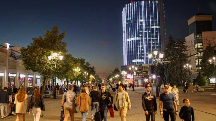 «Это не решение вопроса»: директор Кировки — об идее запретить ночную продажу алкоголя в заведениях на пешеходной улице