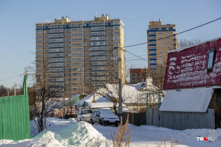 С балконов многоэтажек жители частного сектора — как на ладони