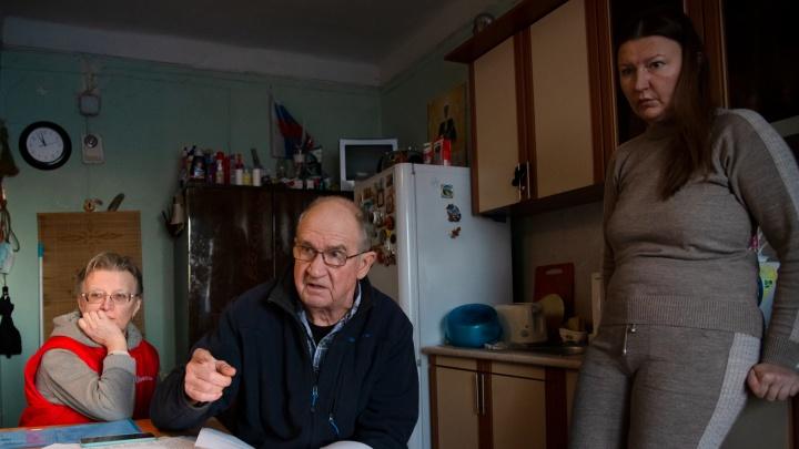 «На нашем доме будто шапка-невидимка»: как семья изБакарицы борется запереселение изаварийки