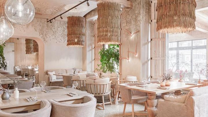 «Отсылки к кустарному стилю»: интерьер ресторана на «Южном берегу» отметил престижный испанский журнал