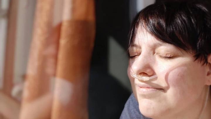 «Еле дышу и очень страшно»: екатеринбурженка, которая полтора года ждала пересадки легких, заразилась COVID-19