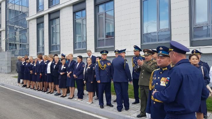 Открываем новый кадетский корпус: как проходит 1 Сентября в Омске