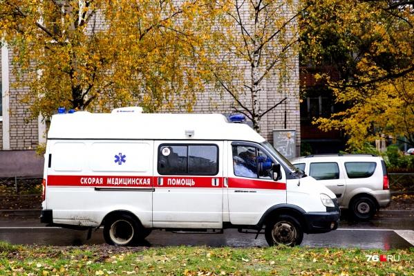 Пятеро пассажиров ПАЗа получили травмы во время ДТП. Их на скорой с места происшествия увезли в больницу