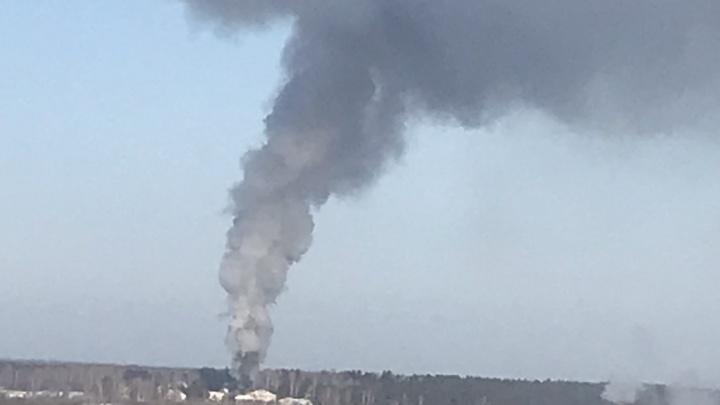 Под Тюменью пожарные спасли дом депутата областной думы