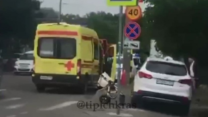В Краснодаре водитель сбил женщину с коляской на «зебре»
