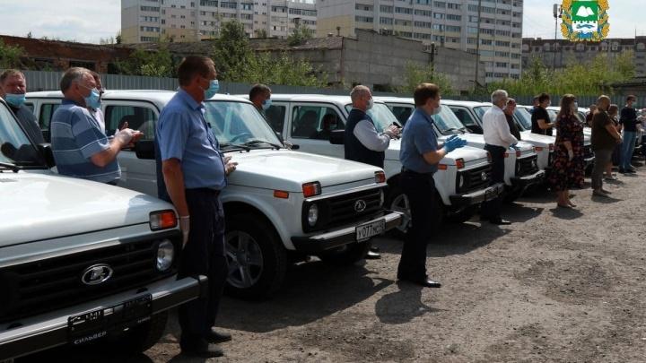 Курганские медики получили 25 новых машин неотложной помощи