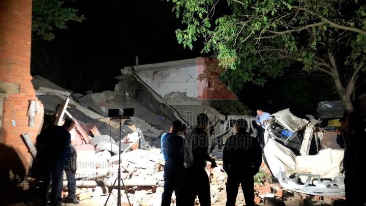 В Краснодаре после взрыва в гараже один человек погиб и двое пострадали