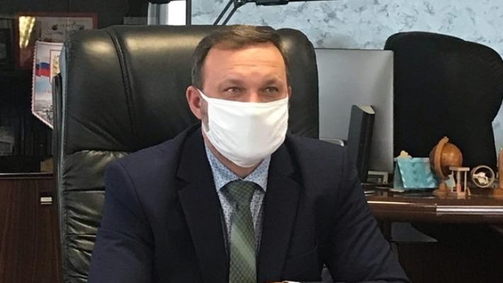 Губернатор Александр Бурков выиграл дело о наказании главы Омского района за ошибки в декларации