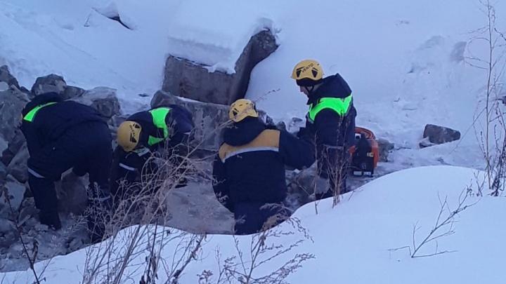 Подросток, который погиб под обломками старого уральского завода, разбирал его на лом
