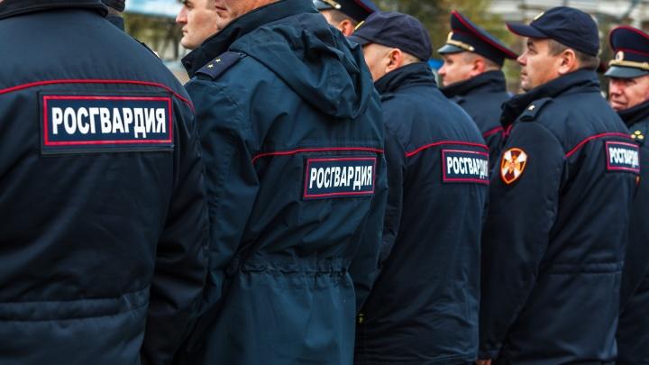 В кузбасском городе Росгвардия предотвратила массовую драку. Силовикам пришлось стрелять