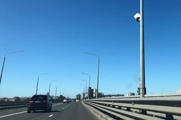 """За первый день работы на Октябрьском мосту «Скат» выписал более <nobr class=""""_"""">1300 штрафов</nobr>"""