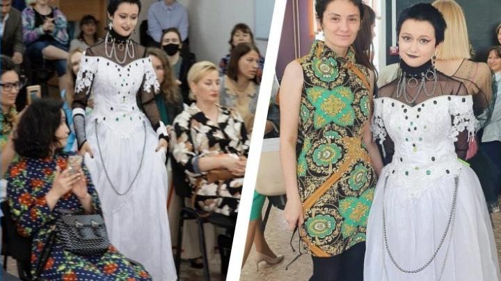 Шестнадцатилетняя сибирячка купила свадебное платье в секонд-хенде и превратила его в наряд на выпускной — что у нее получилось