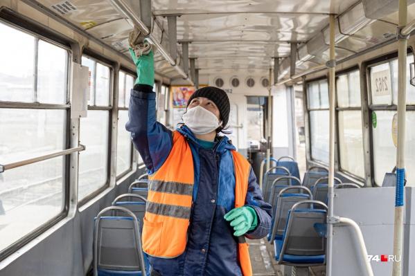 В Урае проводят дезинфекцию в общественном транспорте